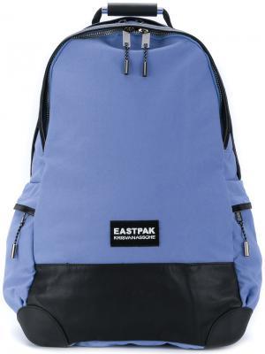 Рюкзак на молнии Eastpak. Цвет: синий