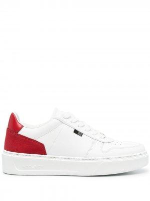 Кроссовки на массивной подошве Woolrich. Цвет: белый