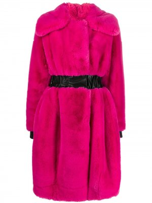 Шуба Karl из коллаборации с Carine Lagerfeld. Цвет: розовый