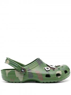 Клоги с камуфляжным принтом  x Daily Paper Crocs. Цвет: зеленый