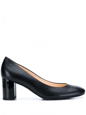 Классические туфли-лодочки Hogl. Цвет: черный