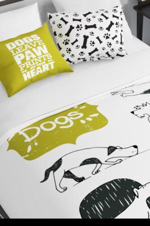 Постельное белье семейное История собак Сирень. Цвет: белый