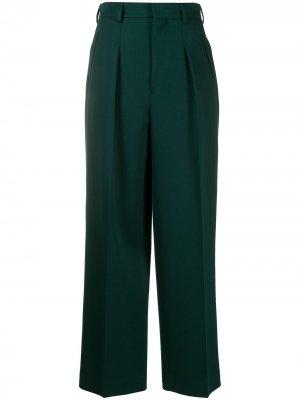 Прямые брюки строгого кроя AMI Paris. Цвет: зеленый