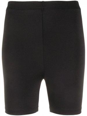 Спортивные облегающие шорты Styland. Цвет: черный