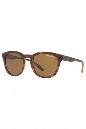 Солнцезащитные очки Arnette. Цвет: коричневый