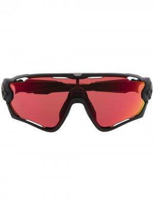 Массивные солнцезащитные очки Oakley. Цвет: черный