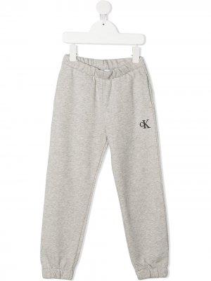 Спортивные брюки с вышитым логотипом Calvin Klein Kids. Цвет: серый