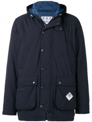 Дутое пальто Barbour. Цвет: синий