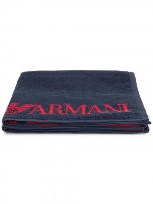 Полотенце с логотипом Emporio Armani Kids. Цвет: синий