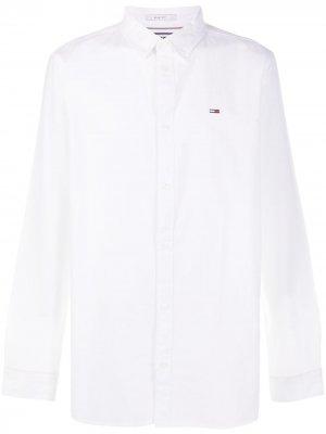 Рубашка с вышитым логотипом Tommy Jeans. Цвет: белый