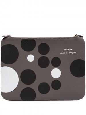 Чехол для iPad 6 из коллаборации с Côte & Ciel Comme Des Garçons Wallet. Цвет: серый
