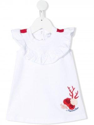 Платье с вышитым логотипом и оборками Monnalisa. Цвет: белый