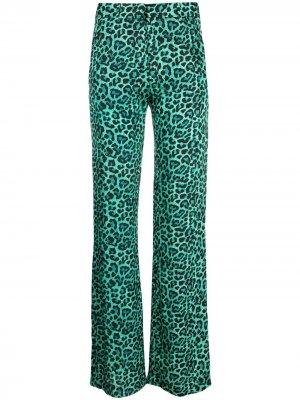 Расклешенные брюки с леопардовым принтом Laneus. Цвет: зеленый