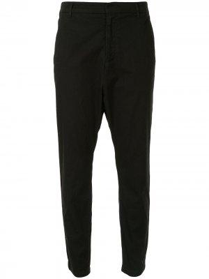 Укороченные брюки кроя слим Nili Lotan. Цвет: черный
