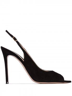 Туфли с открытым носком и ремешком на пятке Gianvito Rossi. Цвет: черный