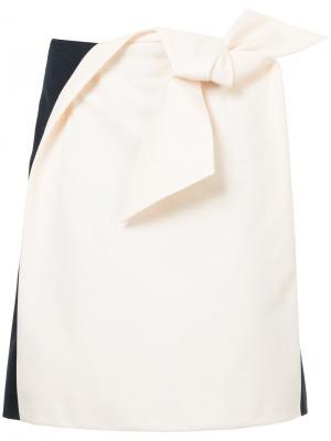 Двухцветная юбка с бантом в технике оригами Delpozo. Цвет: нейтральные цвета