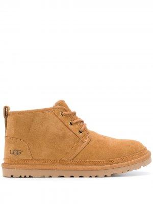 Ботинки на плоской подошве со шнуровкой UGG. Цвет: нейтральные цвета