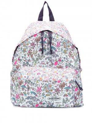 Рюкзак с логотипом и цветочным принтом Eastpak. Цвет: синий