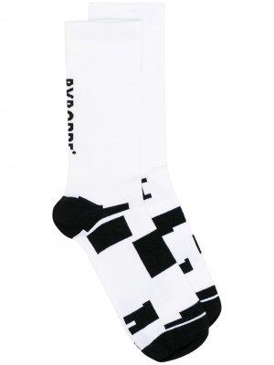 Носки с принтом Byborre. Цвет: белый