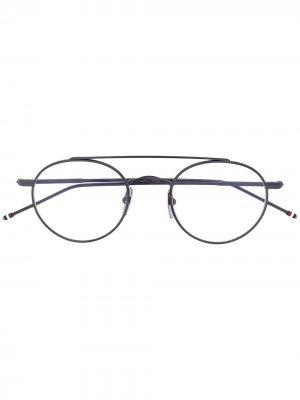 Круглые очки Thom Browne Eyewear. Цвет: серый