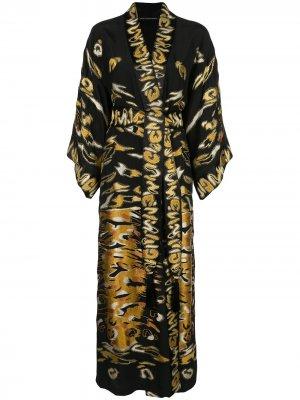 Халат с вышивкой Josie Natori Couture. Цвет: черный