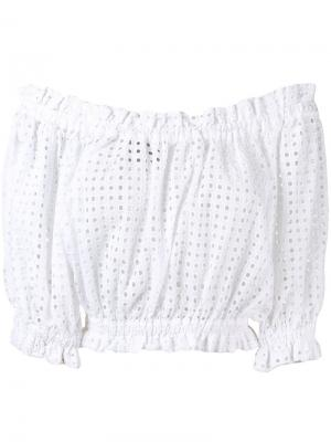 Блузка с открытыми плечами и английской вышивкой Paper London. Цвет: белый