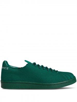 Кроссовки Superstar из коллаборации с Pharrell Williams adidas. Цвет: зеленый