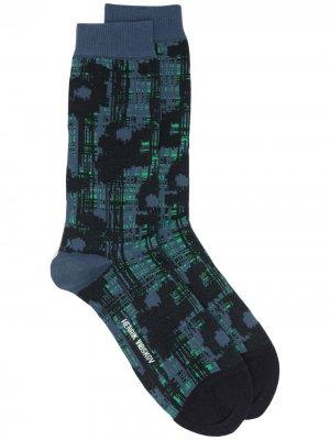 Носки с абстрактным узором HENRIK VIBSKOV. Цвет: черный