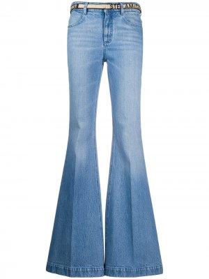 Расклешенные джинсы с поясом Stella McCartney. Цвет: синий