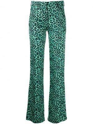 Расклешенные брюки с анималистичным принтом Laneus. Цвет: зеленый