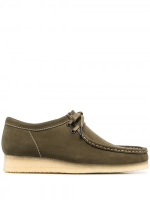 Туфли Maple Wallabee на шнуровке Clarks Originals. Цвет: зеленый