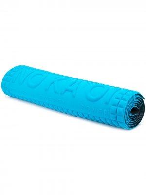 No Ka Oi фактурный мат для йоги с тисненым логотипом Ka'. Цвет: синий