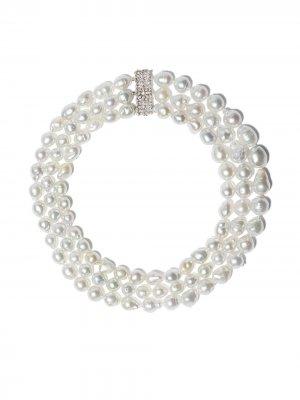 Жемчужное ожерелье с бриллиантам Yoko London. Цвет: серебристый