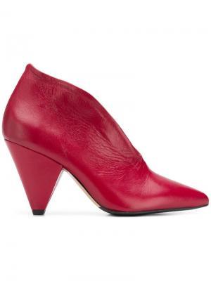 Туфли на каблуке конической формы The Seller. Цвет: красный