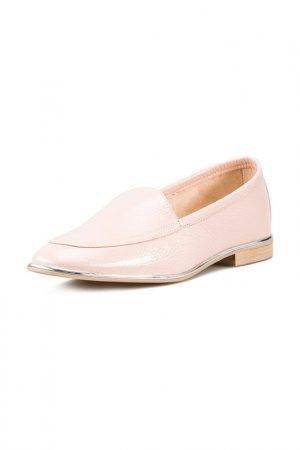 Туфли закрытые Giotto. Цвет: персиковый