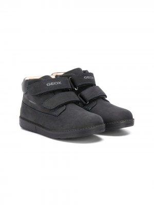 Ботинки с ремешками на липучках Geox Kids. Цвет: синий