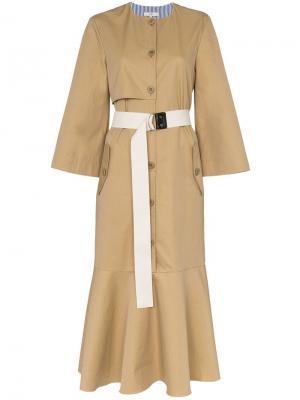 Платье-тренч средней длины с поясом Tibi. Цвет: нейтральные цвета