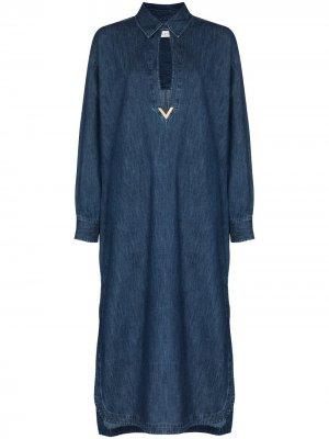 Джинсовое платье с декором VGold Valentino. Цвет: синий