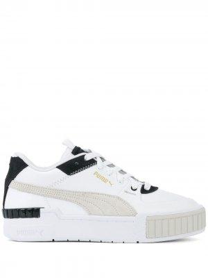 Массивные кроссовки на шнуровке Puma. Цвет: белый