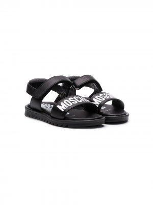 Сандалии с открытым носком и логотипом Moschino Kids. Цвет: черный