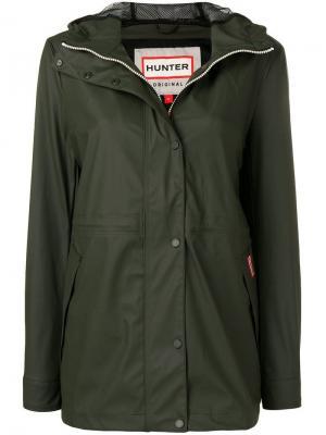 Непромокаемая куртка с капюшоном Hunter. Цвет: зеленый