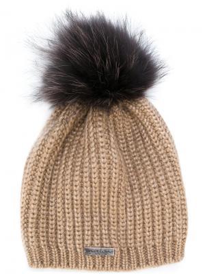 Вязаная шапка с помпоном из енотового меха Norton. Цвет: коричневый
