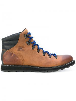 Ботинки со шнуровкой Sorel. Цвет: коричневый