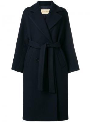 Пальто Carlea в стилистике халата Christian Wijnants. Цвет: синий