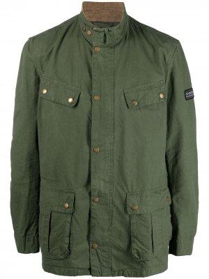 Куртка с карманами карго Barbour. Цвет: зеленый