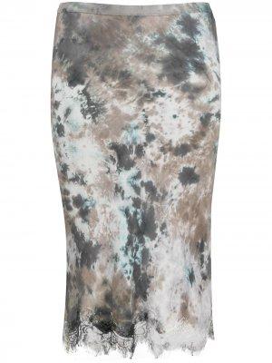 Атласная юбка с кружевным подолом и принтом тай-дай Gold Hawk. Цвет: серый