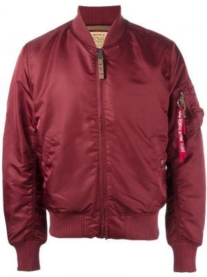 Куртка-бомбер с карманом на рукаве Alpha Industries. Цвет: красный