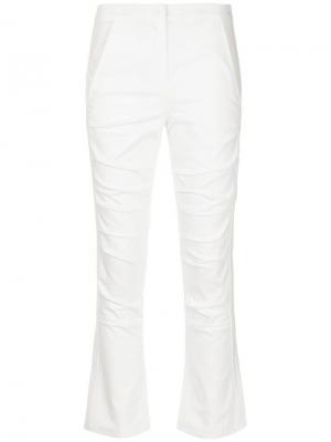 Классические приталенные брюки Taylor. Цвет: белый