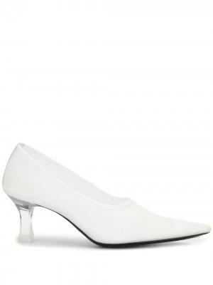 Туфли-лодочки с сетчатой вставкой The Row. Цвет: белый