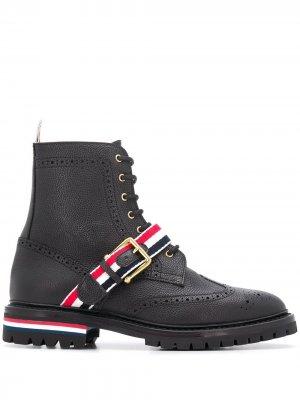 Ботинки с ремешком в полоску Thom Browne. Цвет: черный